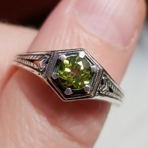 Vintage Genuine Peridot Ring in Sterling Silver